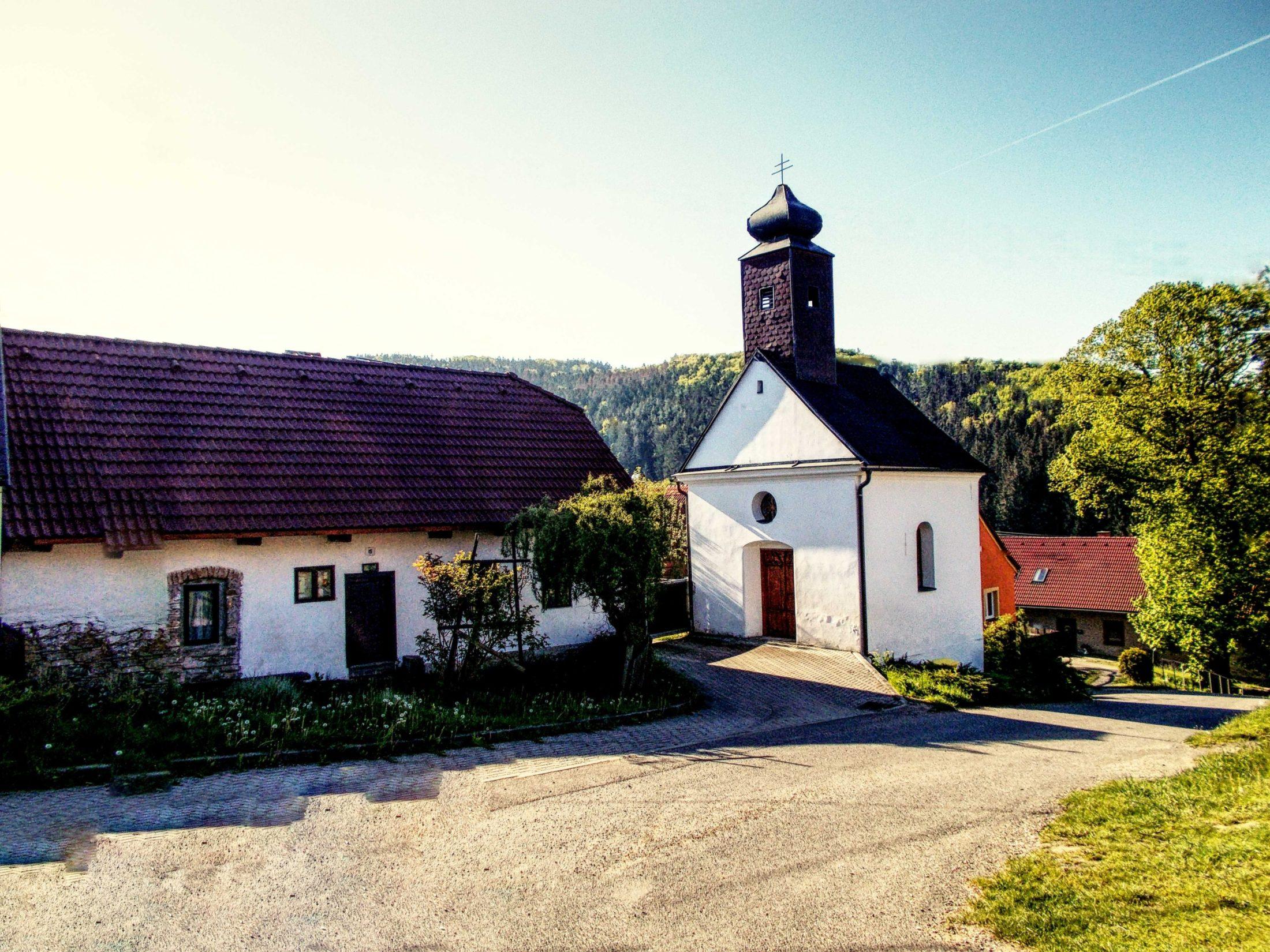 Chlébské s kaplí sv. Jana Křtitele
